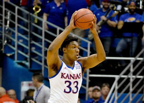 Kansas advances to 3-1